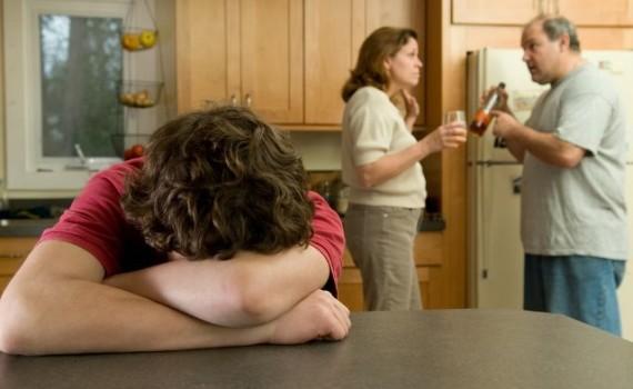 Дети из семей алкоголиков