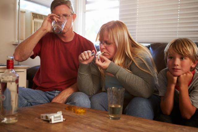 Дети в семье алкоголиков