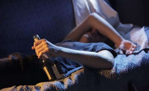 Алкоголик не может уснуть